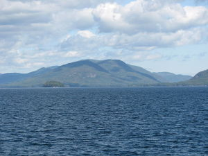 On_the_Lake_Lake_George_NY_2884_(4029360191)